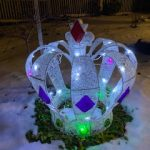 #103 Lighted Crown yard ornament $10.00